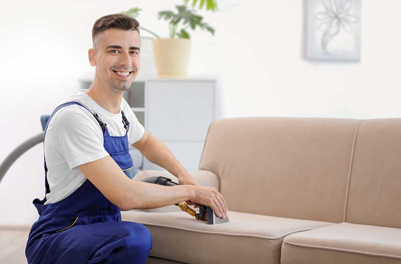 чистим диван на дому